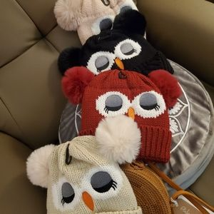 Womens knit Owl hats with faux fur lining new